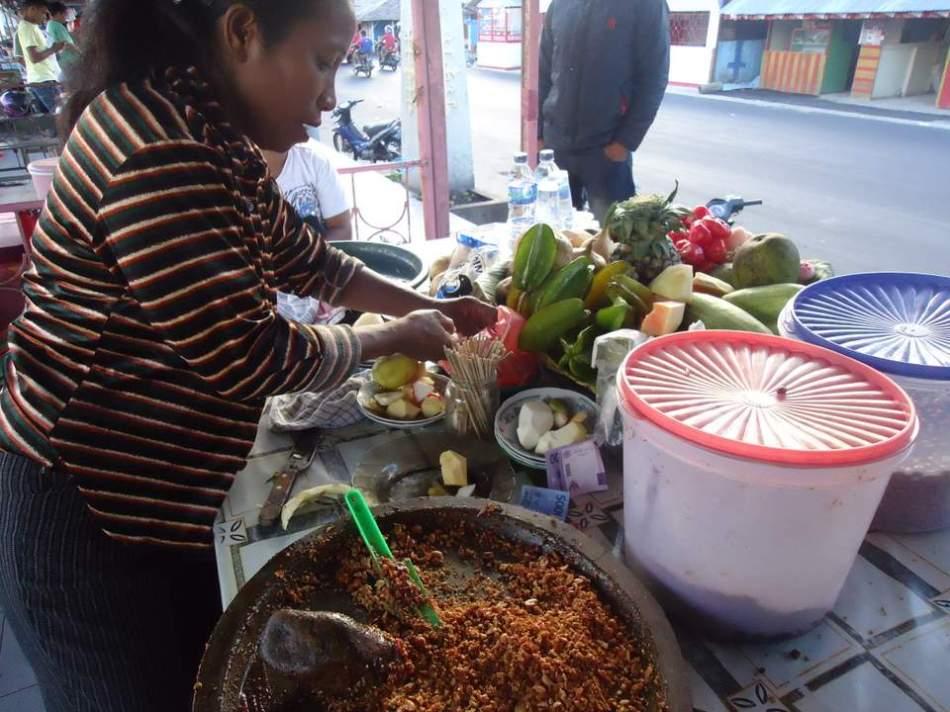 Penjual Rujak Natsepa