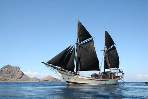 Kapal Phinisi yang sudah jadi (sumber)