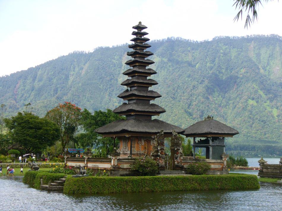 Pura di Bali (Sumber)