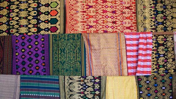 desa-tenun-sukarara-lombok