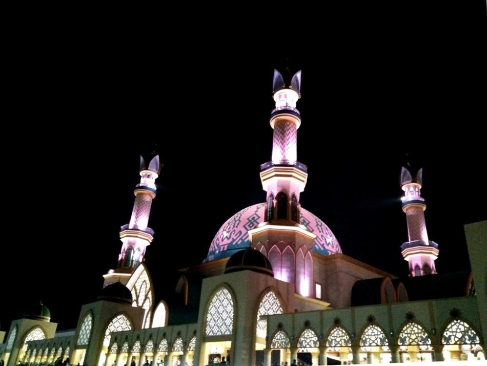 Islamic Centre malam hari