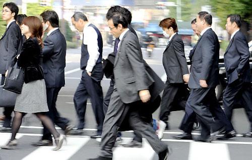 Orang Jepang (source : mynote.bayu.blogspot.com)